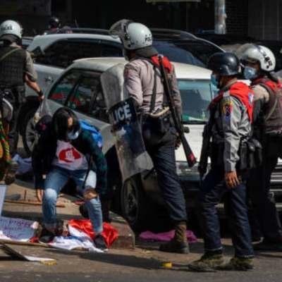 Periodistas exigen a Myanmar liberar a reporteros detenidos durante protestas