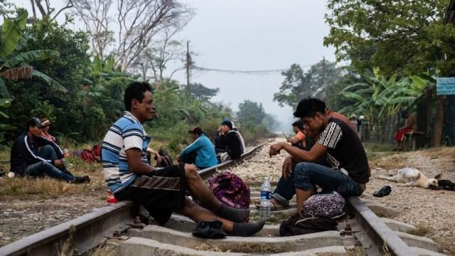 Rescatan a 87 migrantes centroamericanos en un domicilio de Amozoc, Puebla