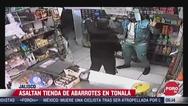 tres sujetos asaltaron una tienda de abarrotes en jalisco