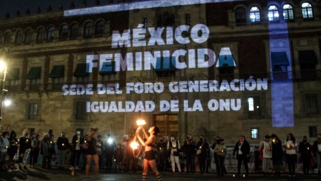 Velada-por-víctimas-de-feminicidio-en-Palacio-Nacional