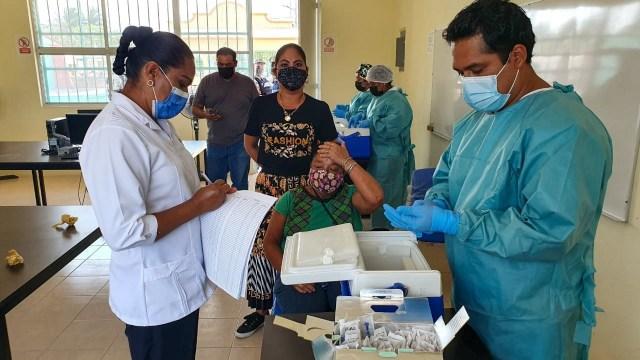 Arranca la vacunación contra COVID a adultos mayores en el Istmo de Tehuantepec, Oaxaca