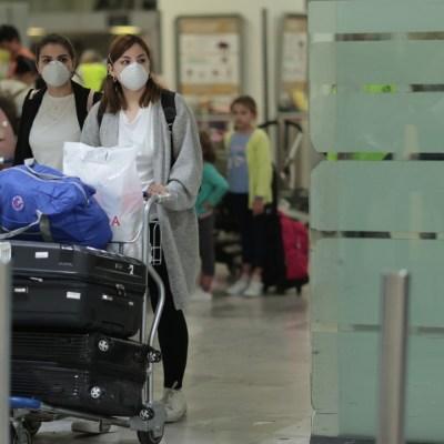 Bloquear asientos en avión reduce riesgo de contraer COVID-19: Estudio