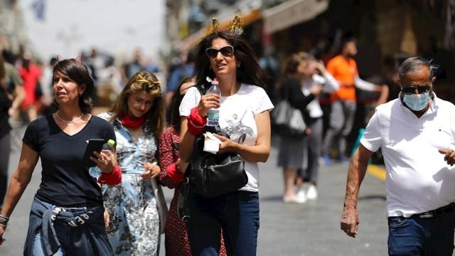 Ciudadanos de Israel se quitan el cubrebocas en otro paso más hacia normalidad ante el COVID-19