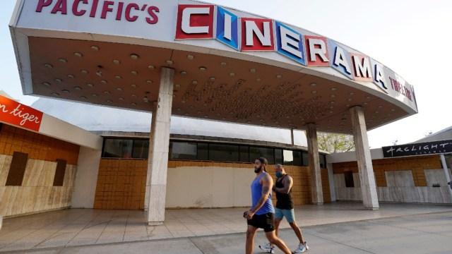 Las cadenas de cines ArcLight y Pacific cierran por la pandemia