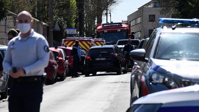 matan mujer policia cuchilladas francia