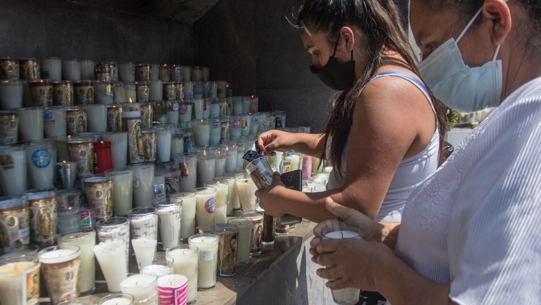 Memorial improvisado en Basílica de Guadalupe alivia duelo en familiares de fallecidos por COVID