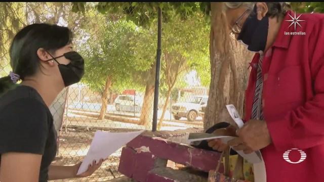 nina logra que 80 ancianos de comunidad marginada sean vacunados contra el covid