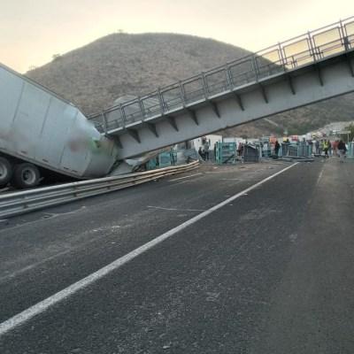 puente peatonal carretera 57