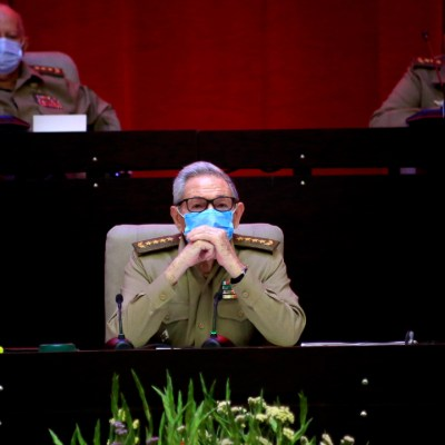Raúl Castro renuncia a la dirección del Partido Comunista de Cuba