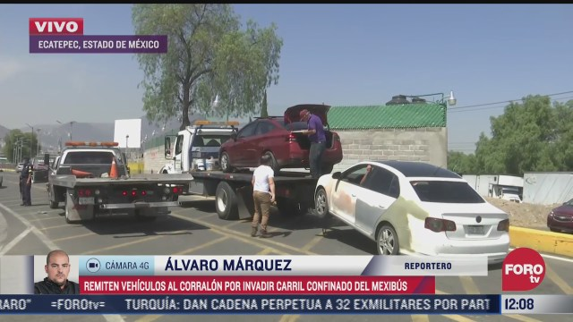 vehiculos son llevados al corralon por invadir carril del mexibus