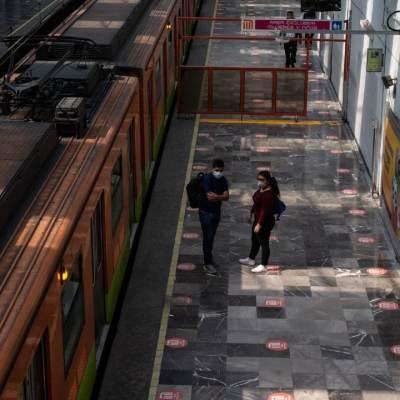 Ajuste de zapatas en tren provoca humo en estación Pantitlán de la Línea A del Metro