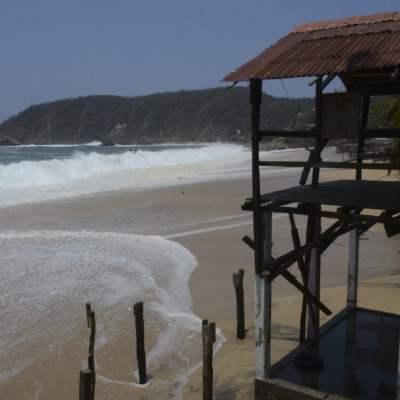 Alertan por mar de fondo en playas de Oaxaca