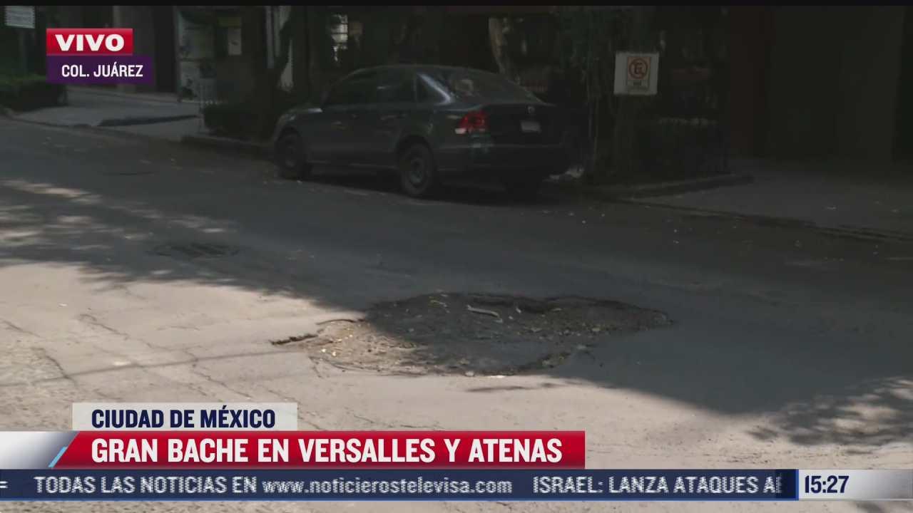 bache se incrementa con la presencia de lluvias en calles de la colonia juarez