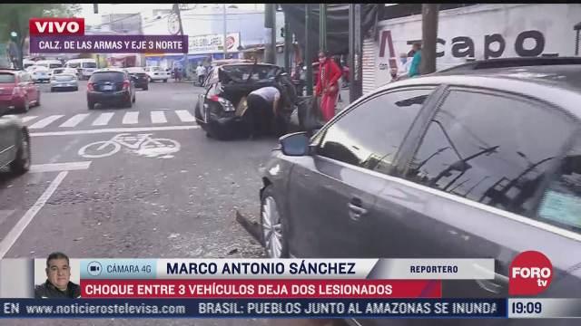 choque entre tres autos deja dos lesionados en cdmx
