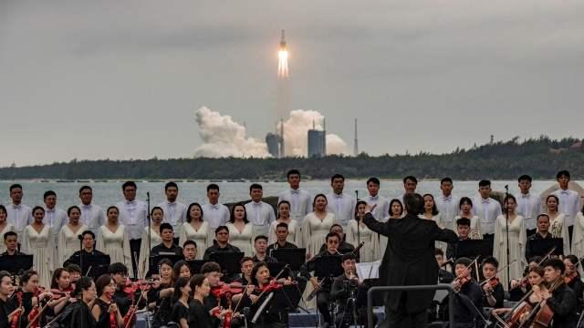 Restos de cohete chino caen en el Océano Índico