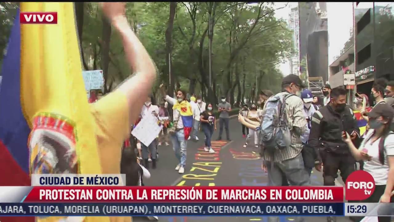 colombianos se manifiestan en la embajada de colombia en mexico