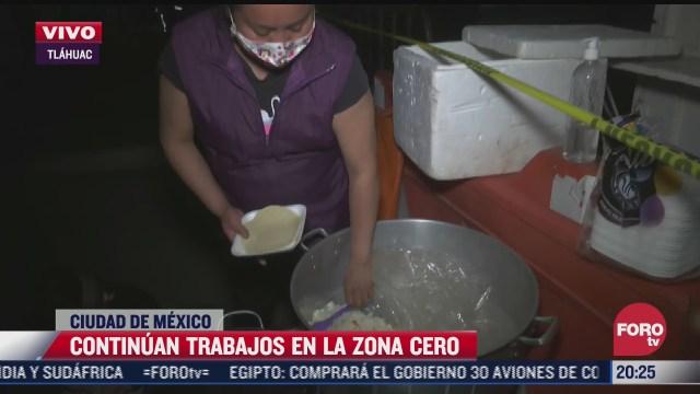 familia de tulyehualco muestra empatia llevando comida a trabajadores de la zona cero