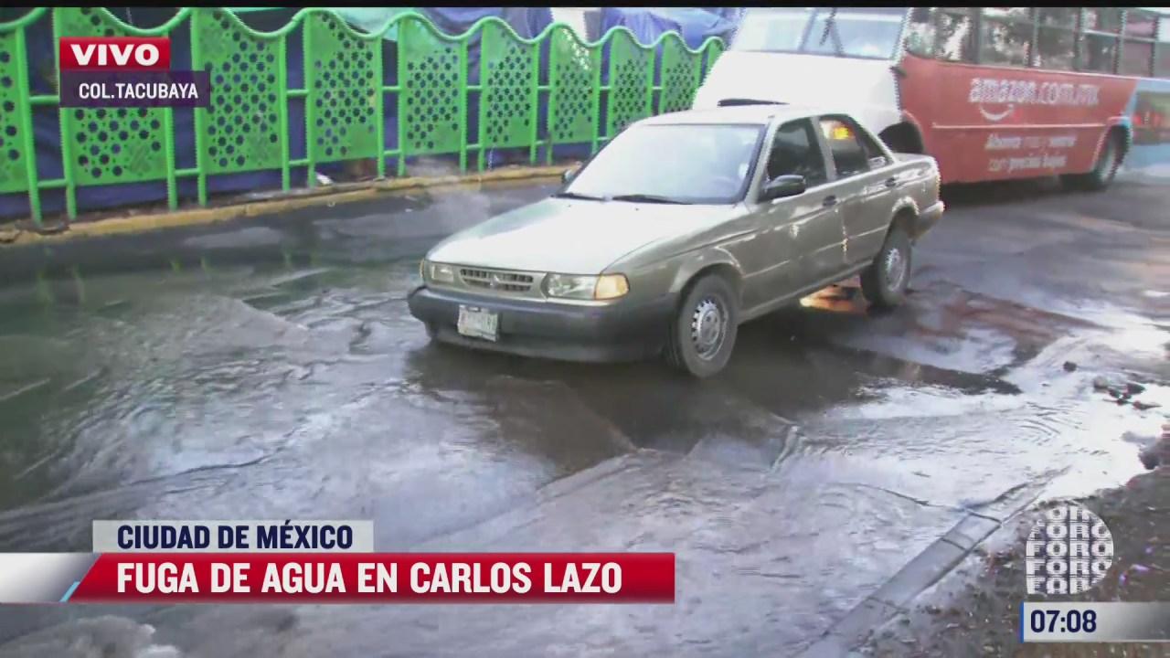 fuerte fuga de agua se registra en tacubaya cdmx