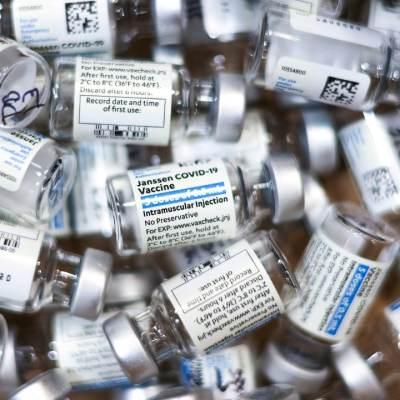 IFPMA decepcionada por apoyo de EEUU a liberar patentes de vacunas COVID