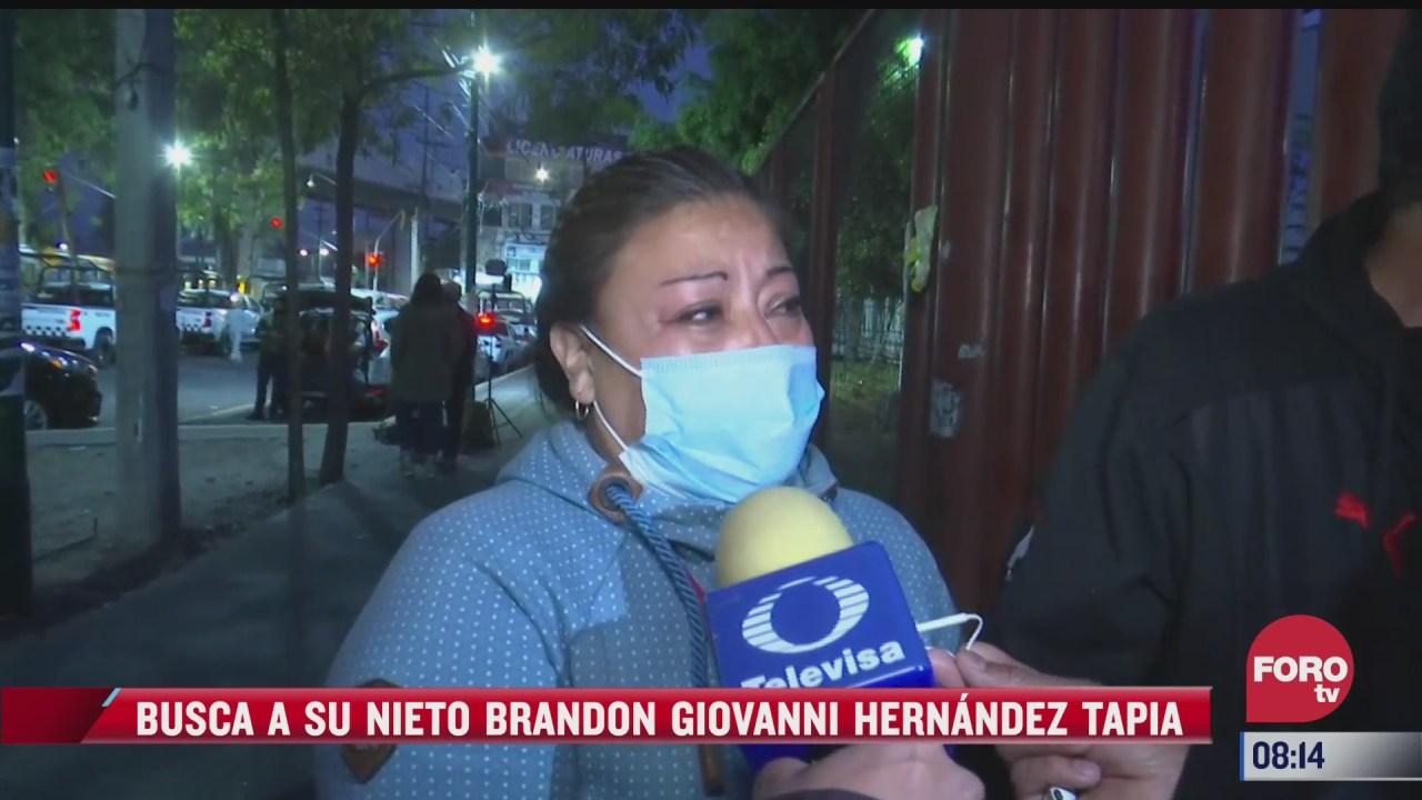 mujer busca a su nieto de 12 anos viajaba con sus padres durante desploma del metro olivos