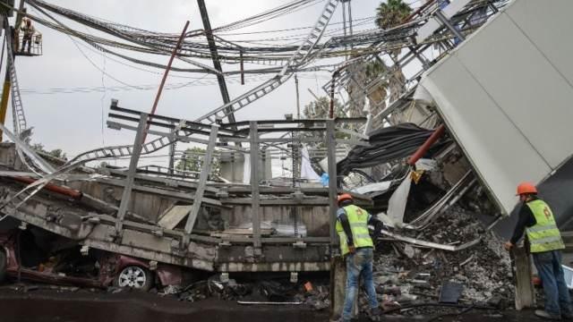 Remoción de escombros en Tláhuac