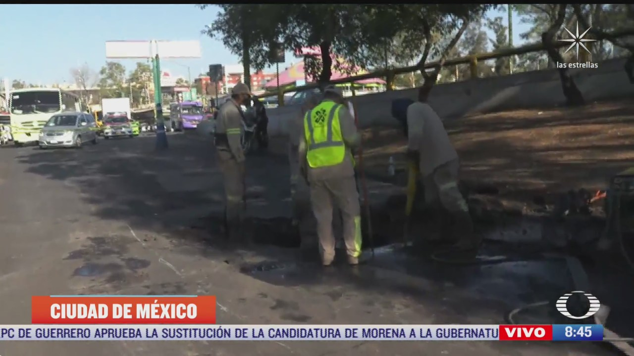 reparan fuga de agua cerca del metro tacubaya en cdmx