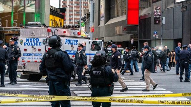Dos mujeres y un niño heridos por tiroteo en Times Square, Nueva York