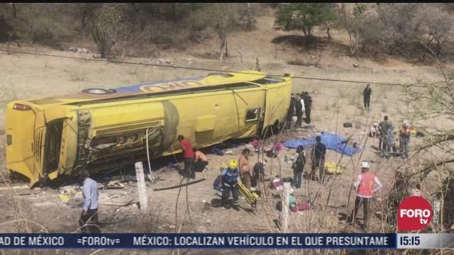 volcadura de autobus deja 3 muertos y 16 heridos en puebla