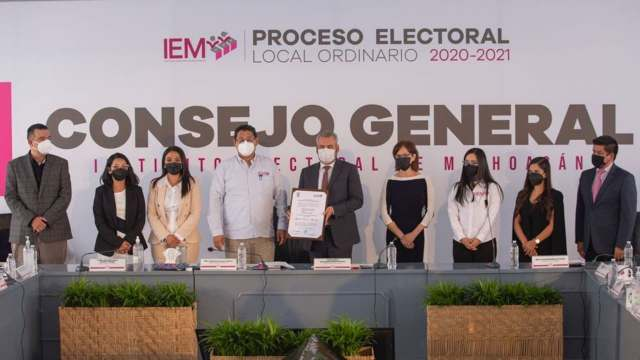Alfredo Ramírez Bedolla recibe constancia de mayoría en Michoacán; contrincante impugnará elección