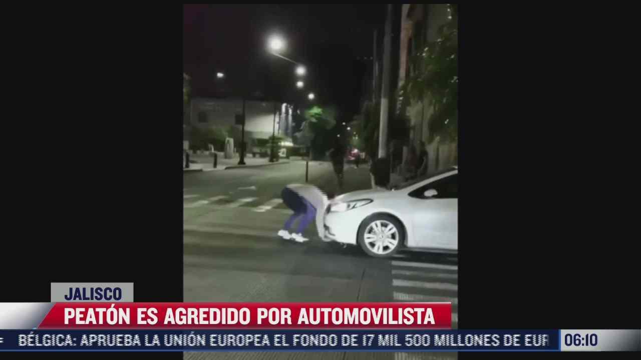 automovilista patea y roba celular a ciudadano tras reclamarle por invadir el paso peatonal