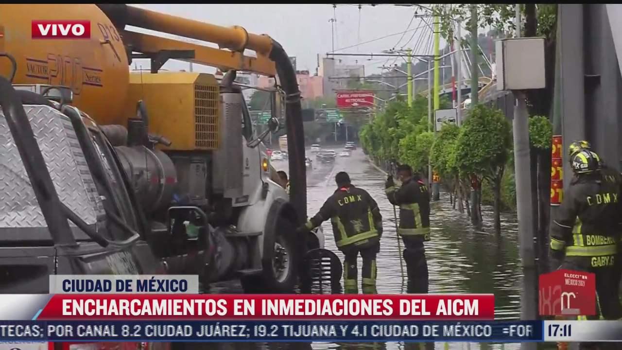 intensas lluvias colapsan inmediaciones del aicm