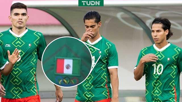 Bandera mexicana al revés en uniforme Selección Tokio 2020