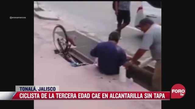 ciclista de la tercera edad cae en alcantarilla sin tapa en tonala jalisco