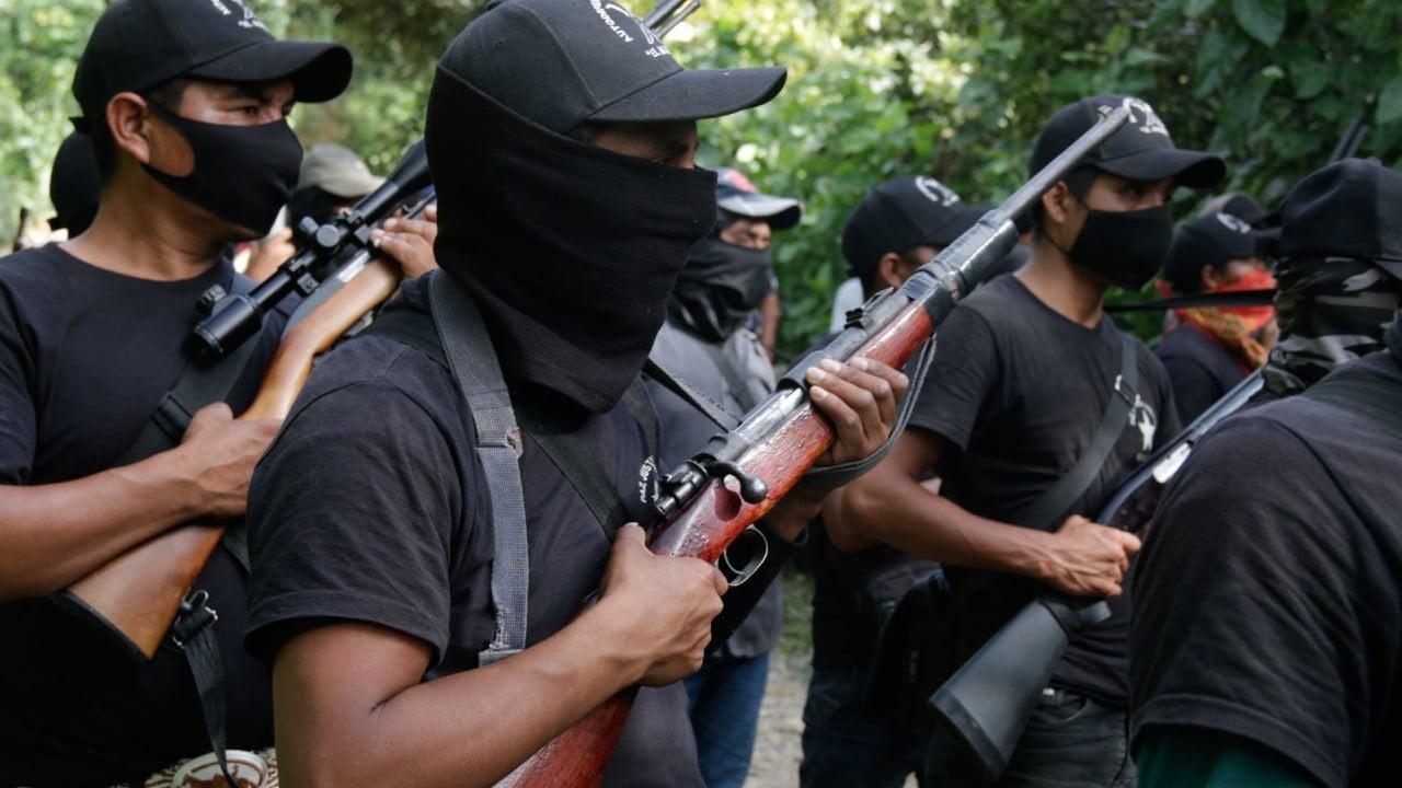 Indígenas de Pantelhó toman las armas de la Guardia Nacional para defenderse del crimen organizado
