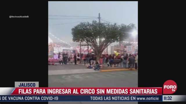 sin medidas sanitarias decenas de personas hacen largas filas para entrar al circo