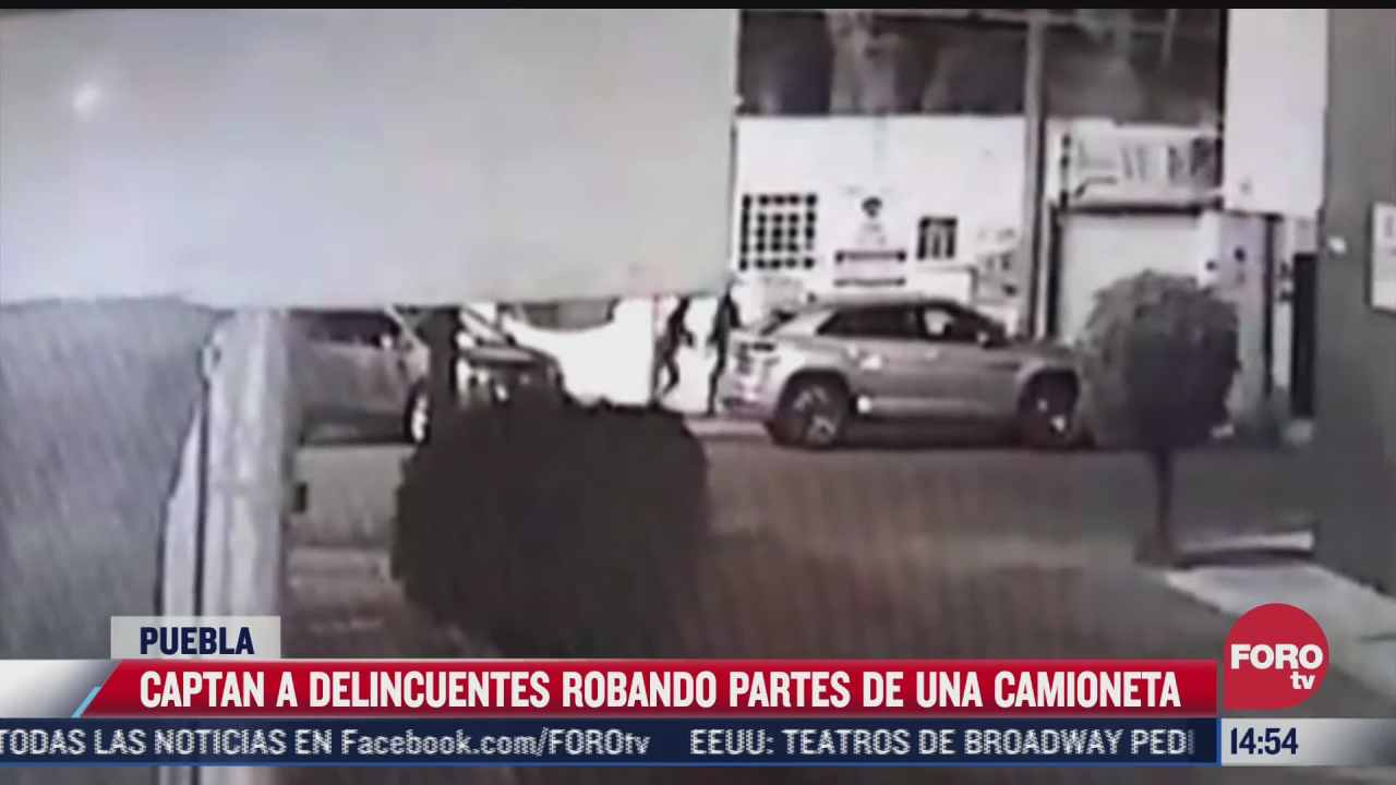 video delincuentes en puebla roban llantas de auto en menos de un minuto