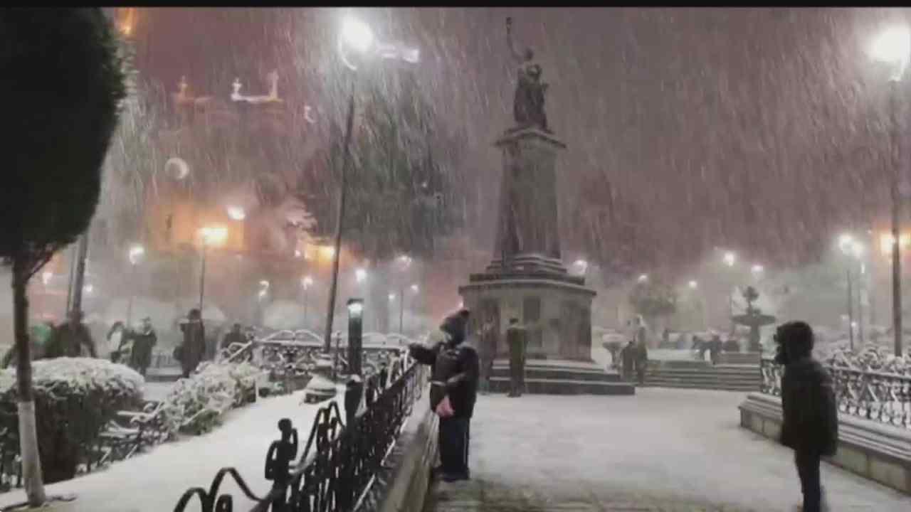impresionantes nevadas sorprenden a bolivia