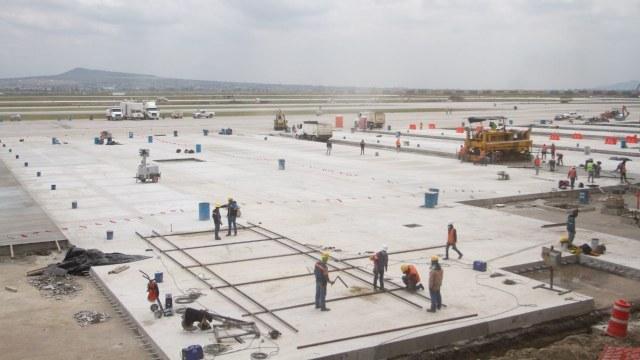 Fotografía que muestra las obras de construcción del Aeropuerto Internacional Felipe Angeles (AIFA) en Santa Lucía. Fuente: Cuartoscuro
