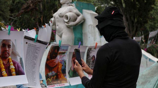 Mujeres realizaron un tendedero de acosadores, violadores y deudores alimenticios en CDMX (Cuartoscuro)