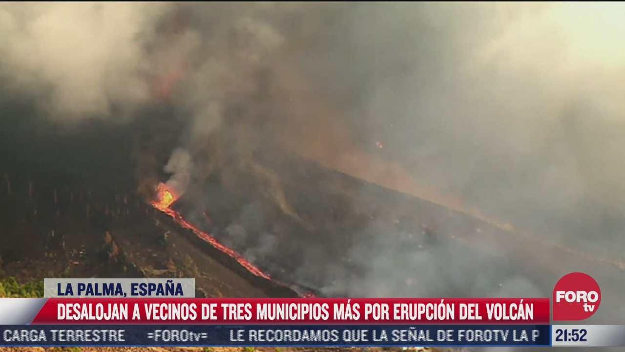 desalojan a vecinos por erupcion de volcan cumbre vieja en espana
