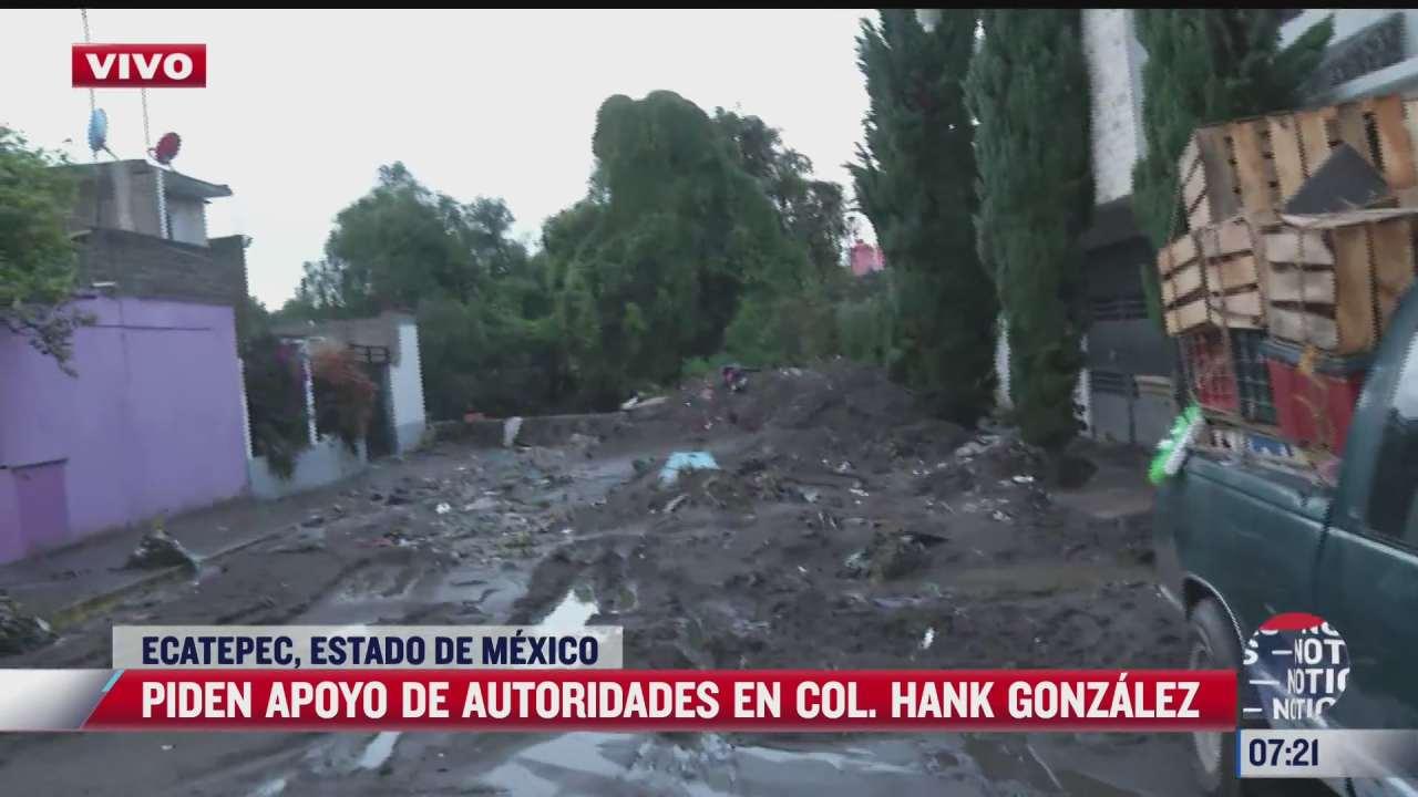 necesitamos agua y muchas manos dice afectada por inundaciones en ecatepec estado de mexico