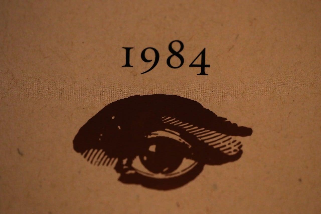 George Orwell, autoritarismo, 1984, libros, portadas