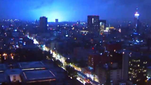 ¿Qué origina las luces en el cielo durante un sismo? Experto de la UNAM responde