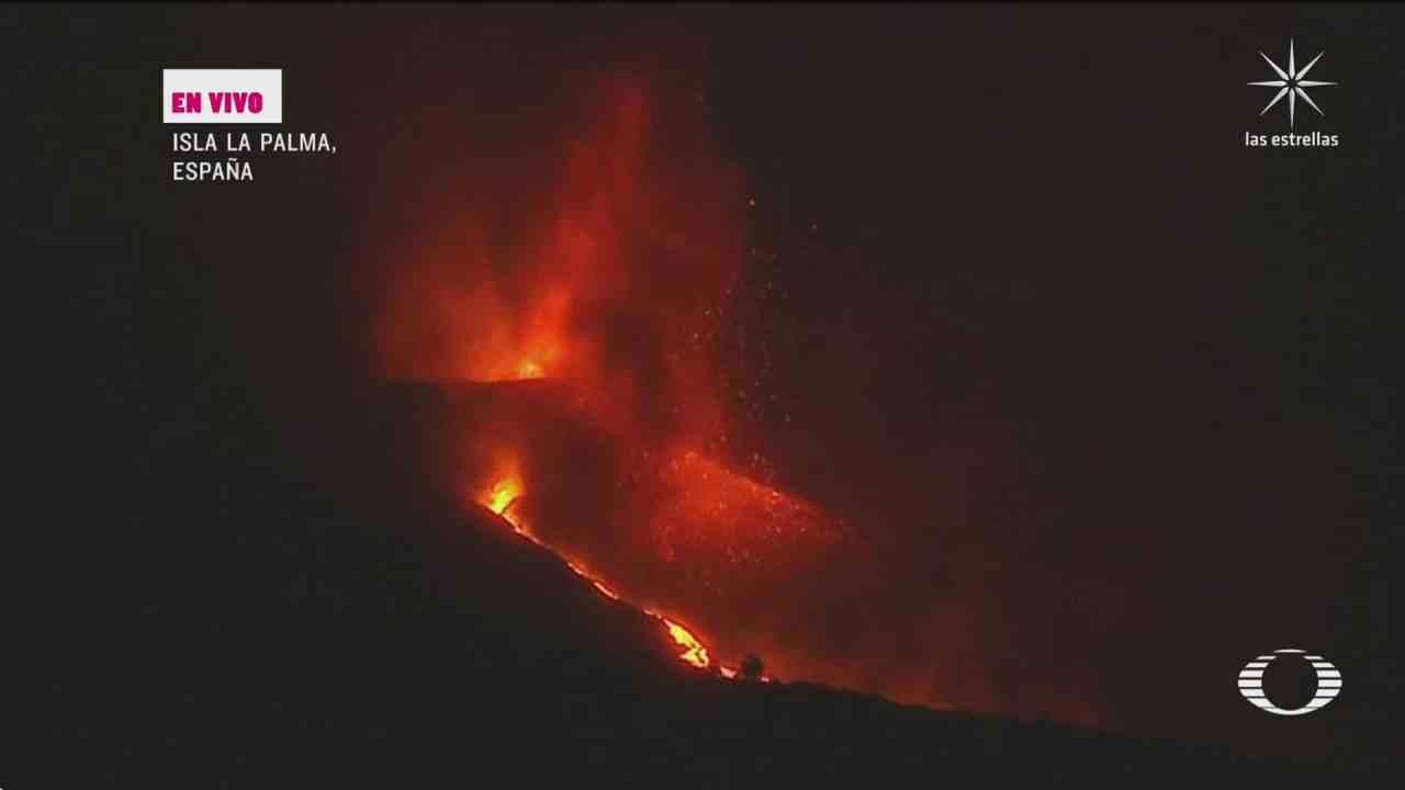 se intensifican las explosiones del volcan cumbre vieja