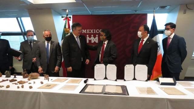 México recupera en EE.UU. manuscritos de Hernán Cortés