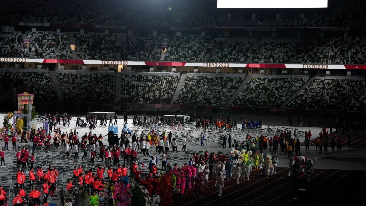 Tokyo cierra los Juegos Paralímpcios y París toma el relevo
