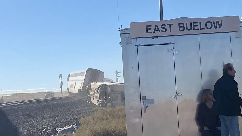 Tren descarrila en Montana, Estados Unidos, reportan al menos 3
