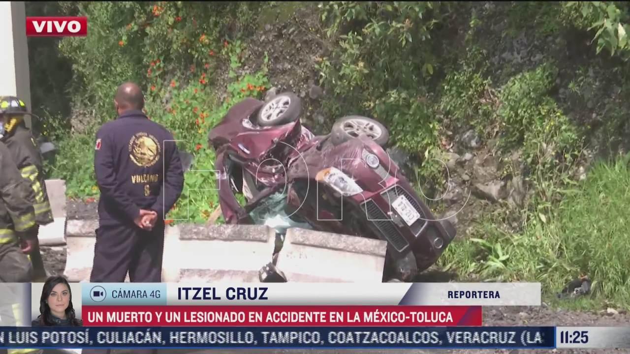 un muerto y un lesionado en volcadura en la autopista mexico toluca