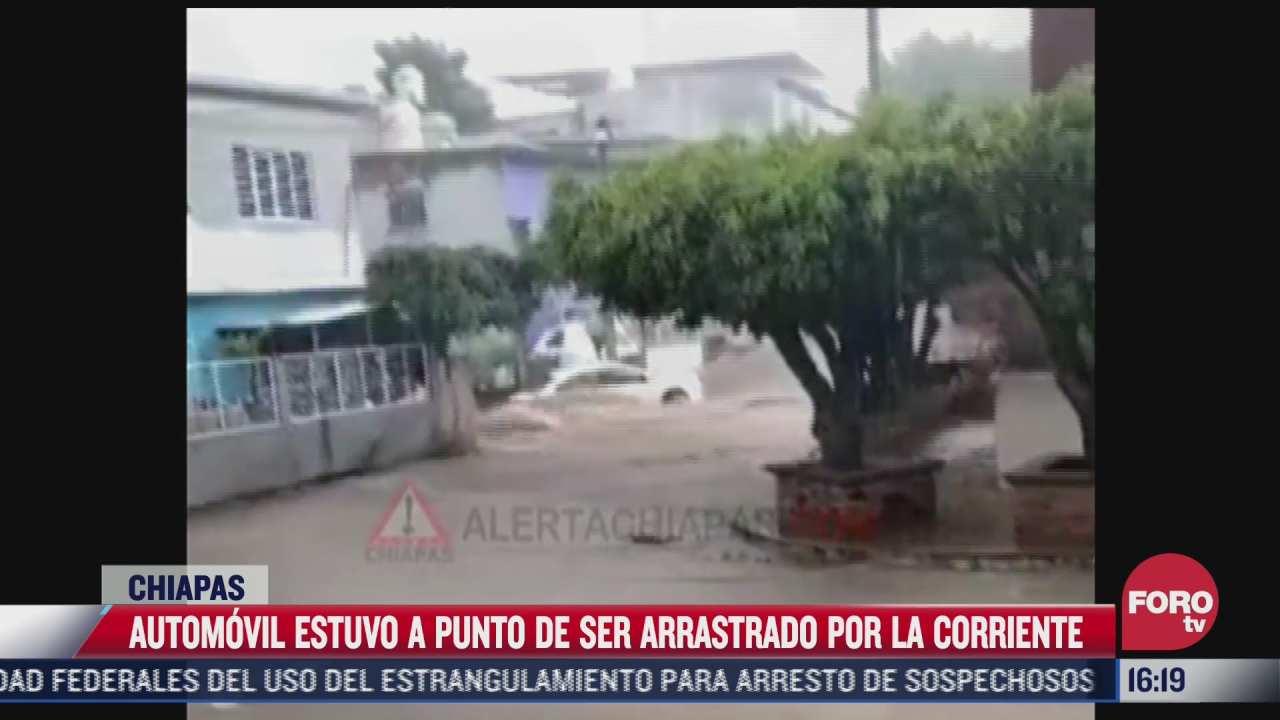 video automovil estuvo a punto de ser arrasando por corriente de agua tras inundaciones en chiapas