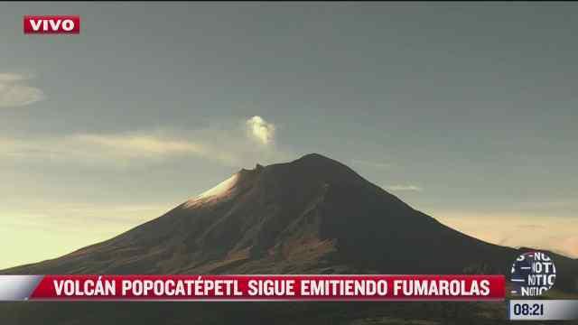 volcan popocatepetl emite fumarolas